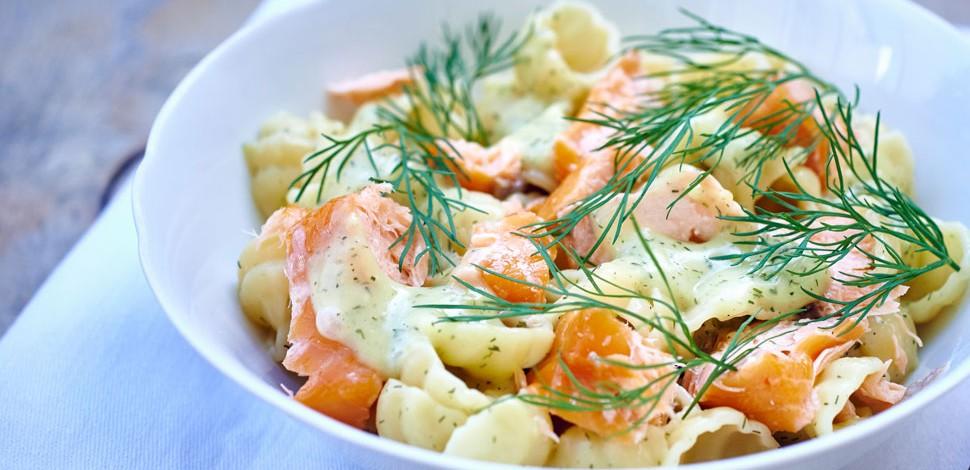 pasta-fredda-con-salmone-yogurt-e-finocchietto-990x470-c